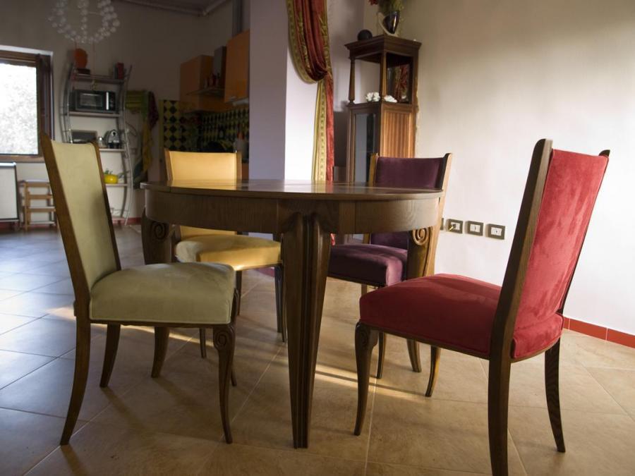 Tavolo e sedie in massello di rovere